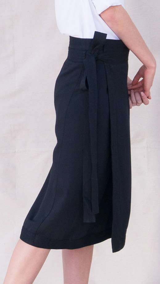 Elara_Bamboo_Skirt_Black_00_1
