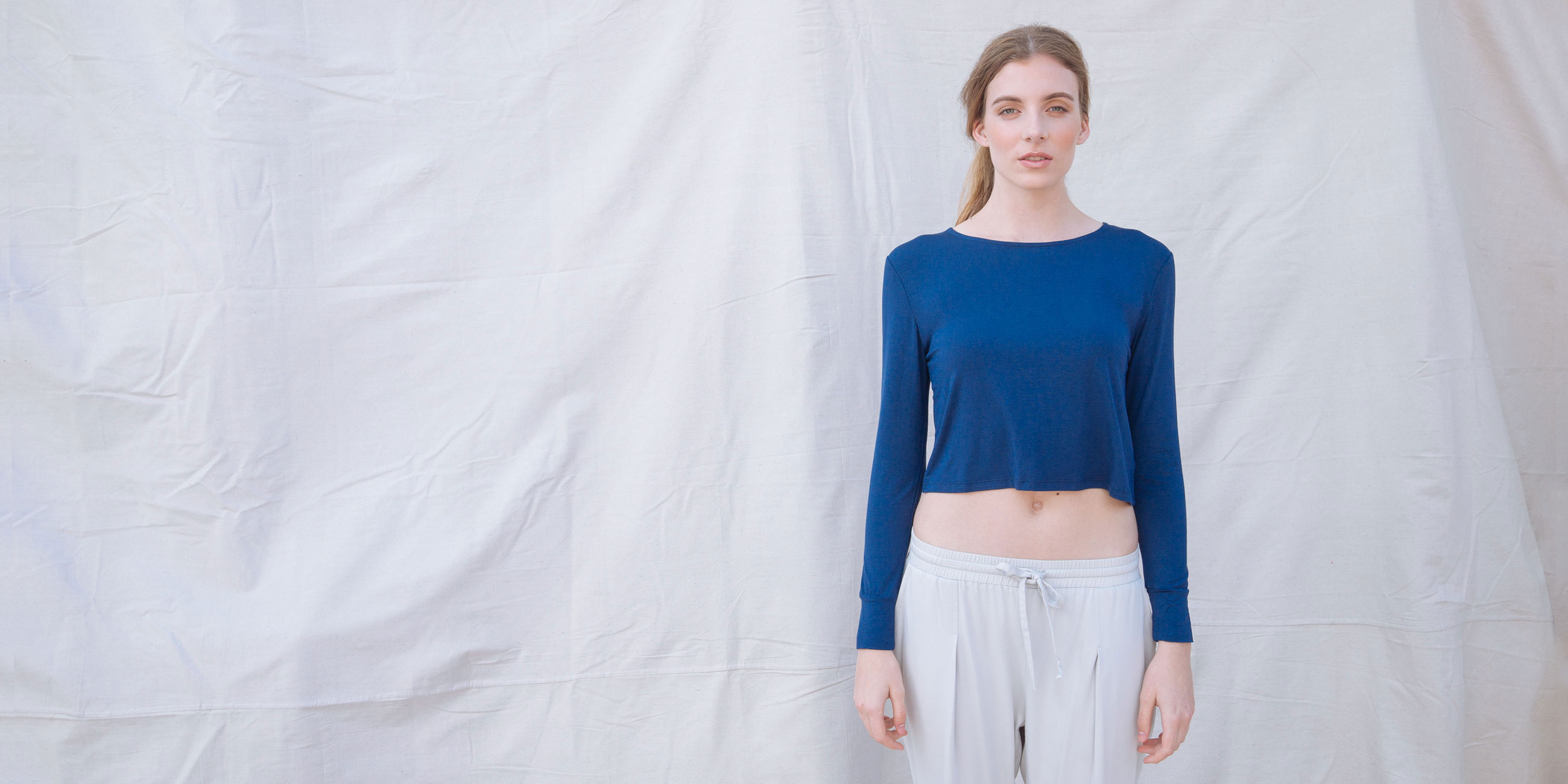 Bamboo Crop Top Blue Long Sleeve Europa 1