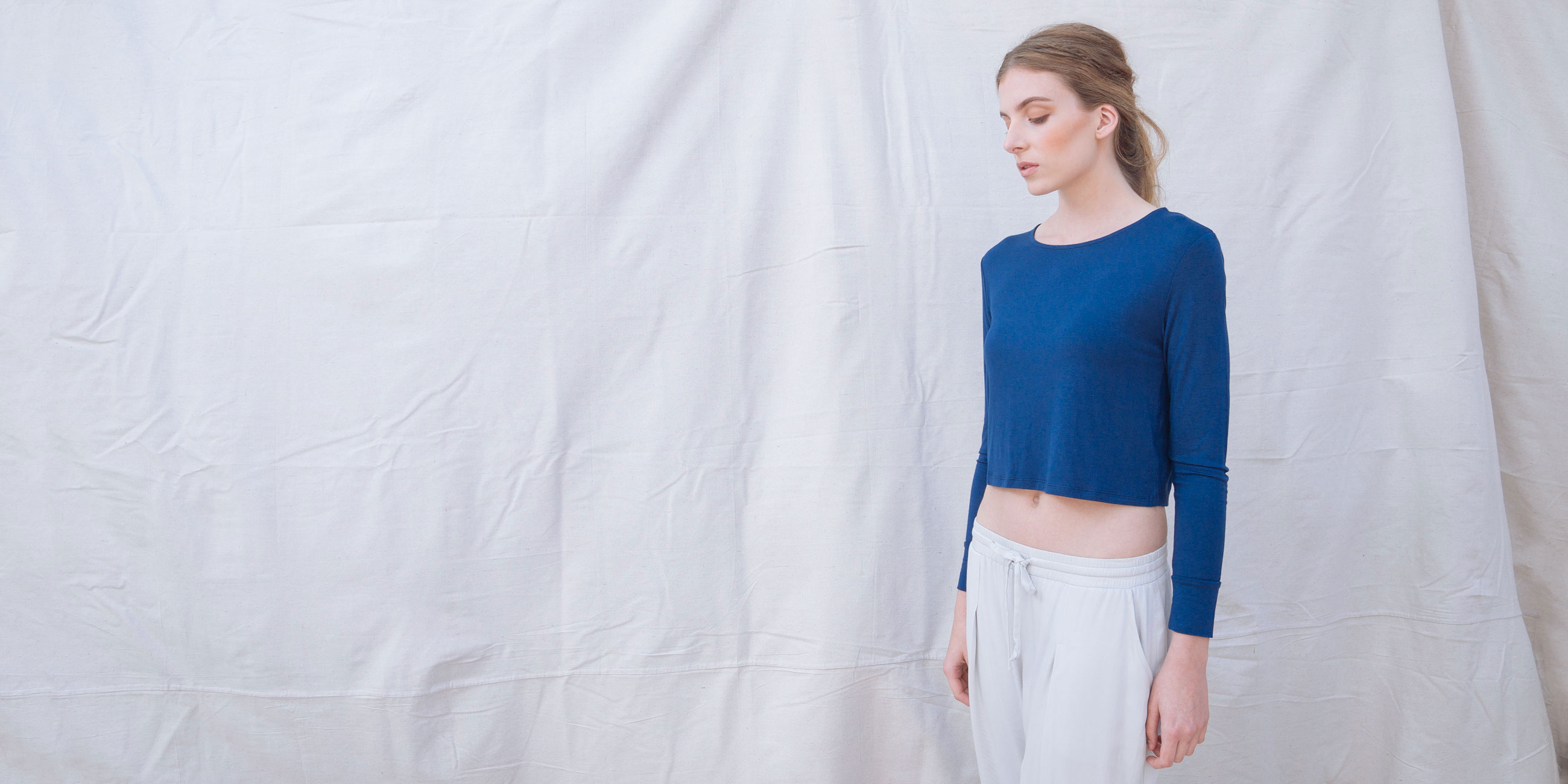 Bamboo Crop Top Blue Long Sleeve Europa 3
