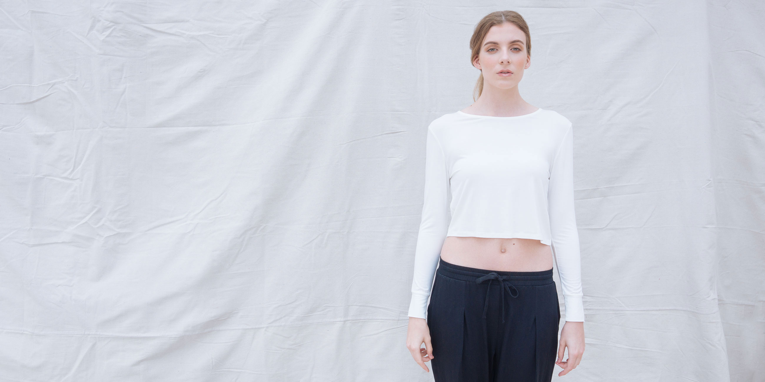 Bamboo Crop Top White Long Sleeve Europa 1
