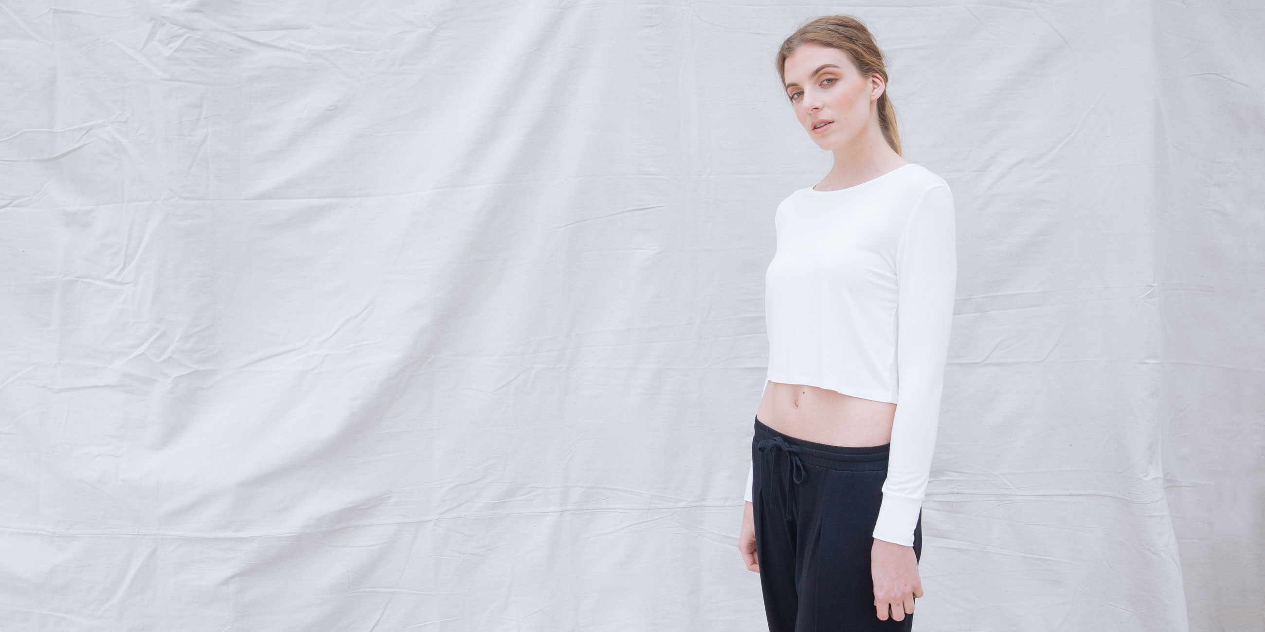 Bamboo Crop Top White Long Sleeve Europa 2