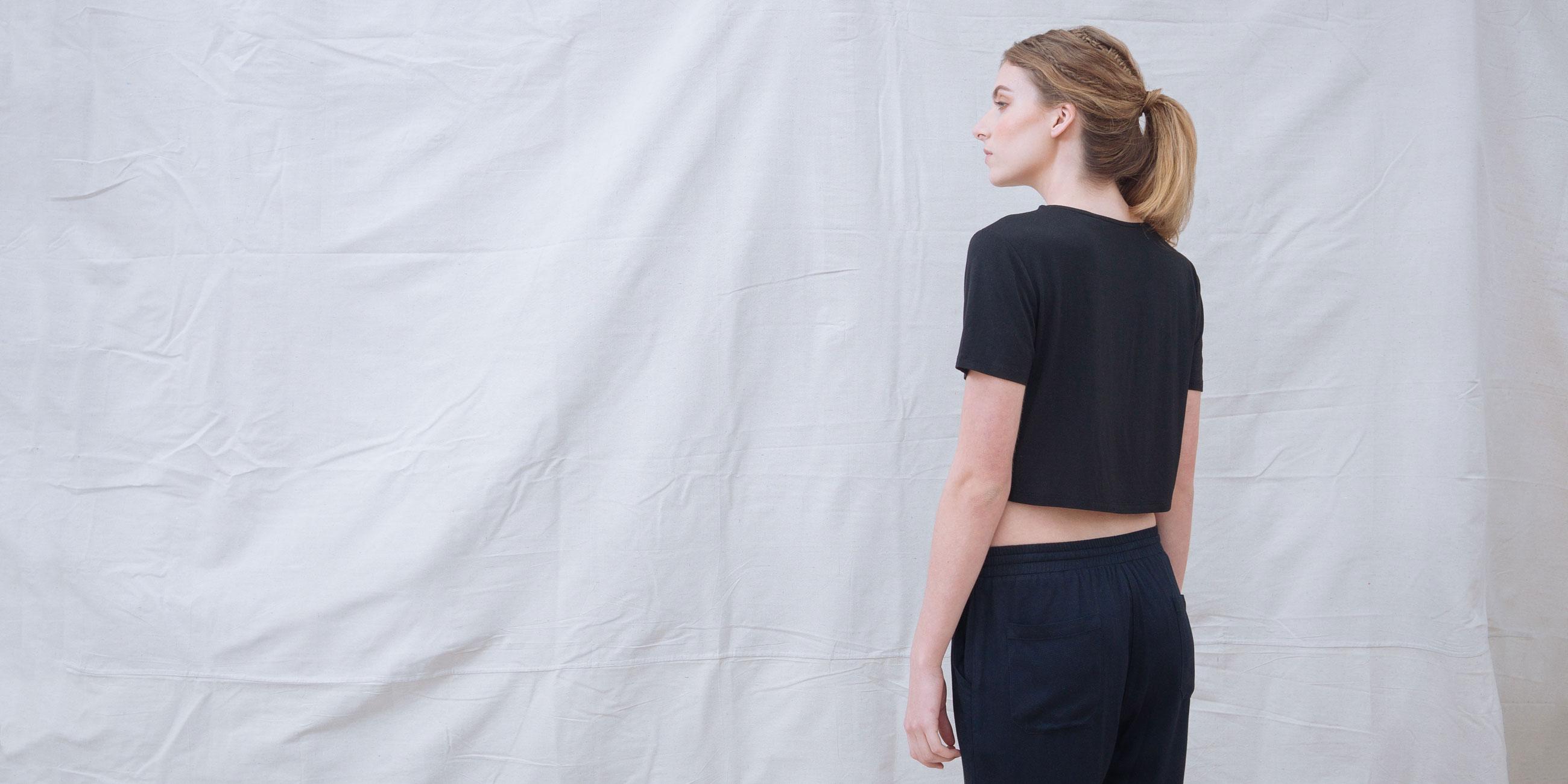 Bamboo Crop Top Black Short Sleeve Luna 3