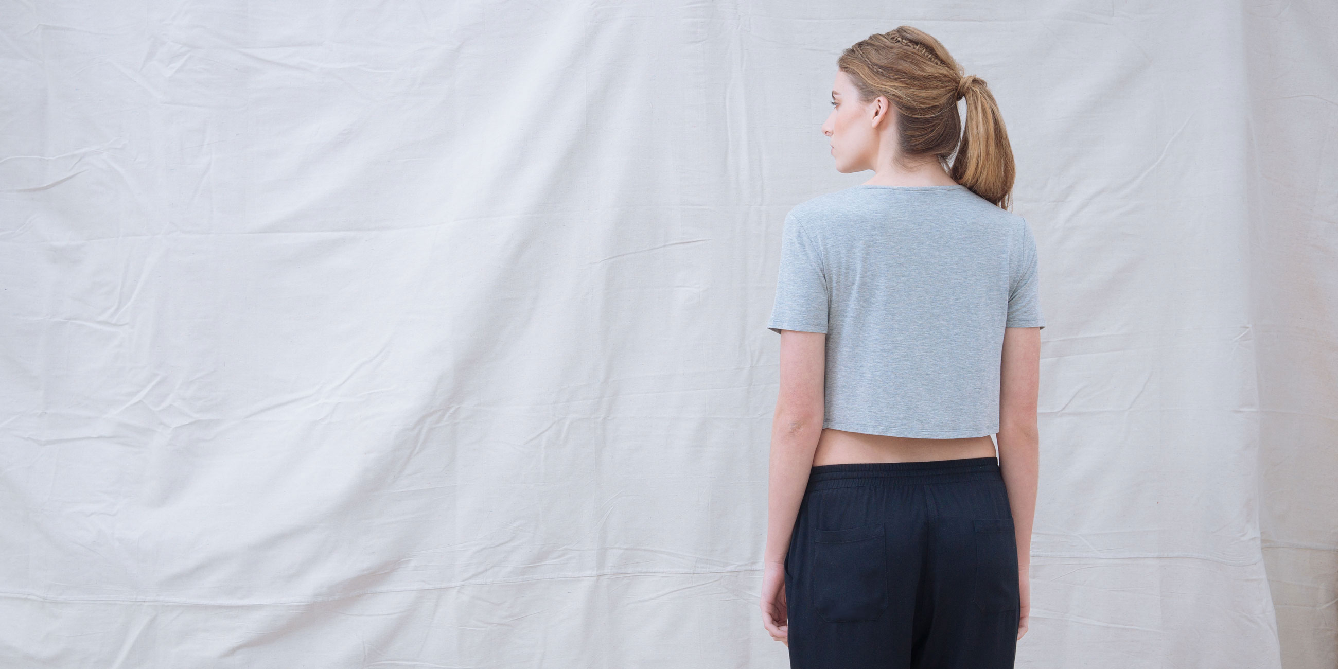 Bamboo Crop Top Grey Short Sleeve Luna 4
