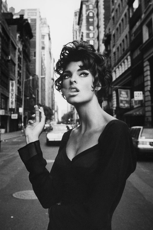 Photography By Steven Meisel Model Linda Evangelista In Vogue Italia June 1990 - Source: Just The Design